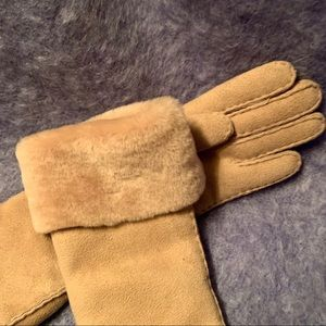 Maison Fabre Shearling Opera Gloves 7
